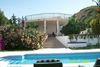 front_of_villa.jpg