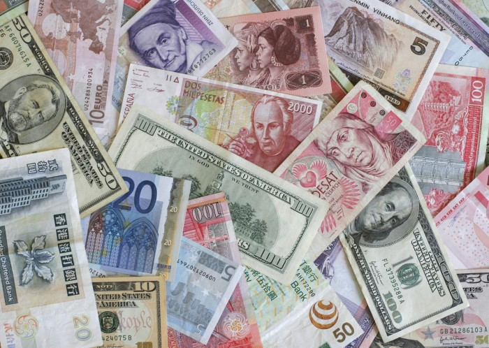 A Guide to Transferring Money Overseas